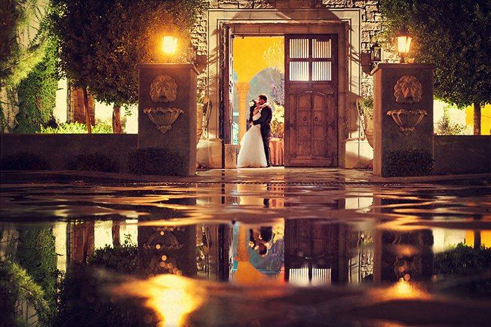 Как фотографировать свадьбу в дождь