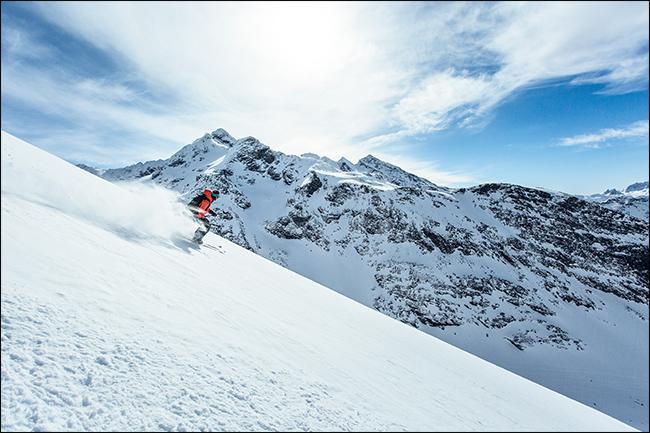 Фото лыжника в горах