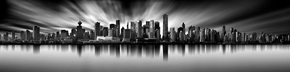 Панорама горизонта Ванкувера снятая с длинной выдержкой. Для этого изображения Шарон Тененбаум использовала 13-стоповый фильтр нейтральной плотности при f/11 и 10-минутной выдержке. Фото Шарон Тененбаум
