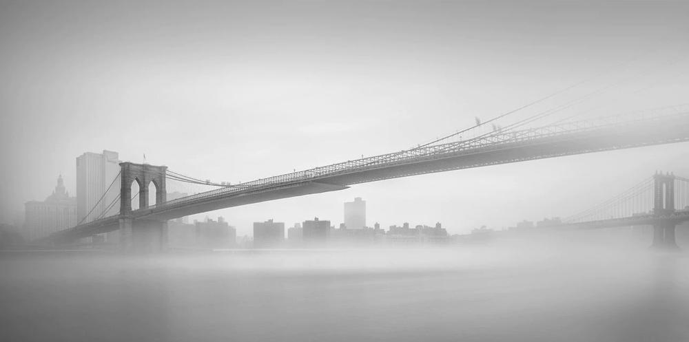 Бруклинский мост, Нью-Йорк. Тененбаум говорит, что мосты - один из её любимых архитектурных объектов, которые можно запечатлеть с длинной экспозицией. Фото Шарон Тененбаум