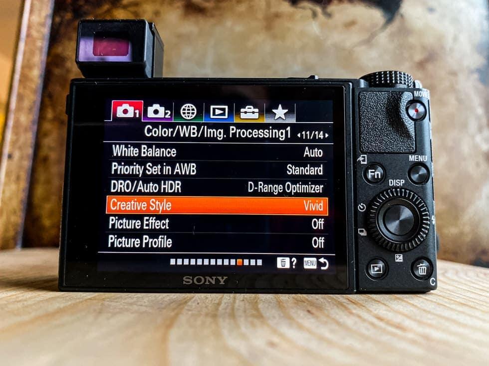 Обзор камеры Sony RX100 VII
